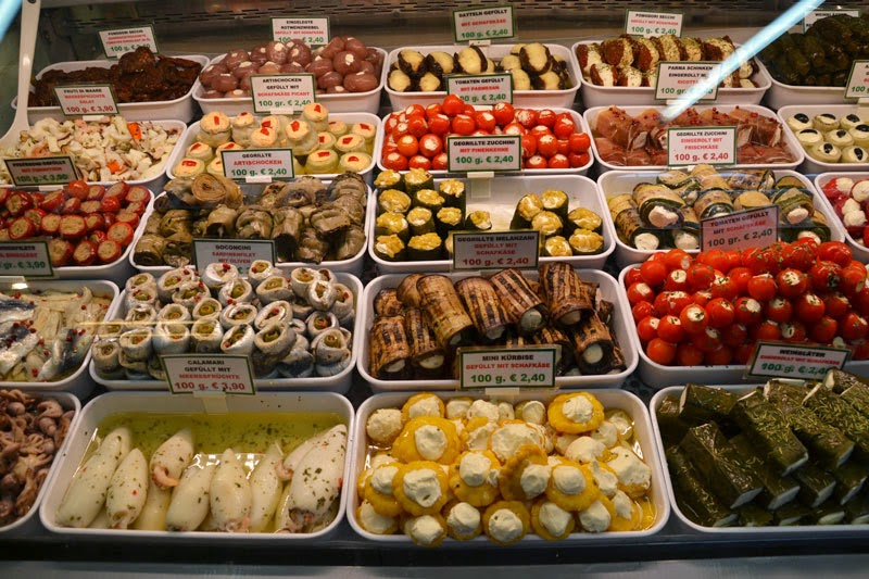 Specialties from around the world at Naschmarkt, the most famous Viennese market