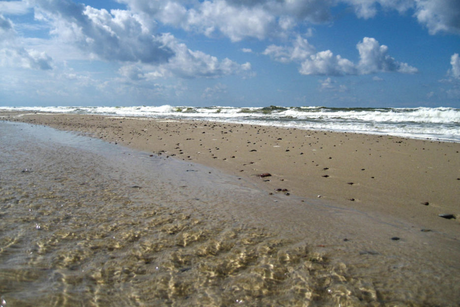 poland-pomerania-baltic-sea-shore