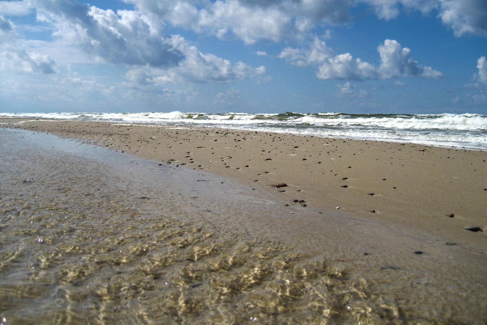 poland-pomerania-baltic-sea-shore