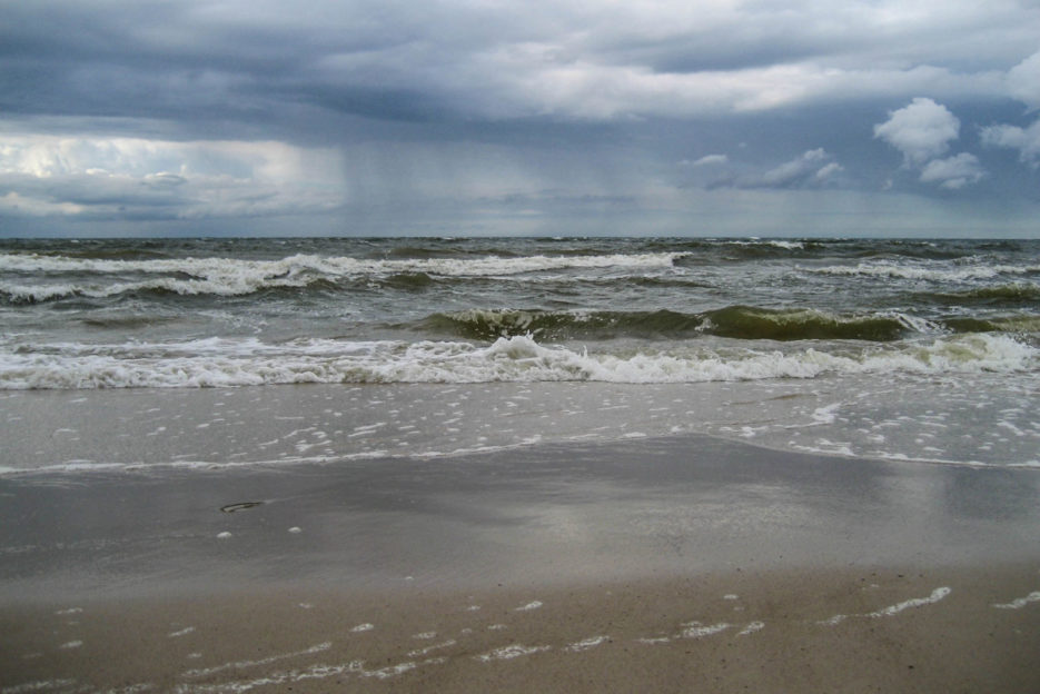 poland-pomerania-baltic-sea-storm