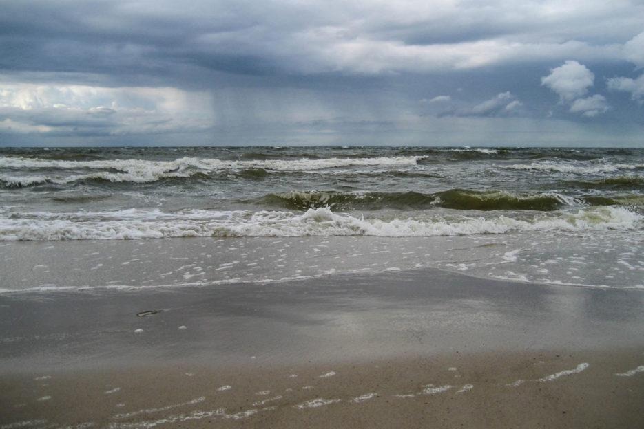 poland-pomerania-baltic-sea-storm