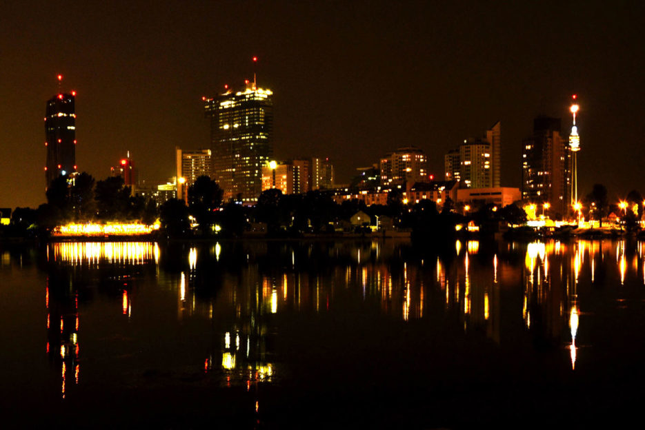 vienna-at-night-altedonau-unocity