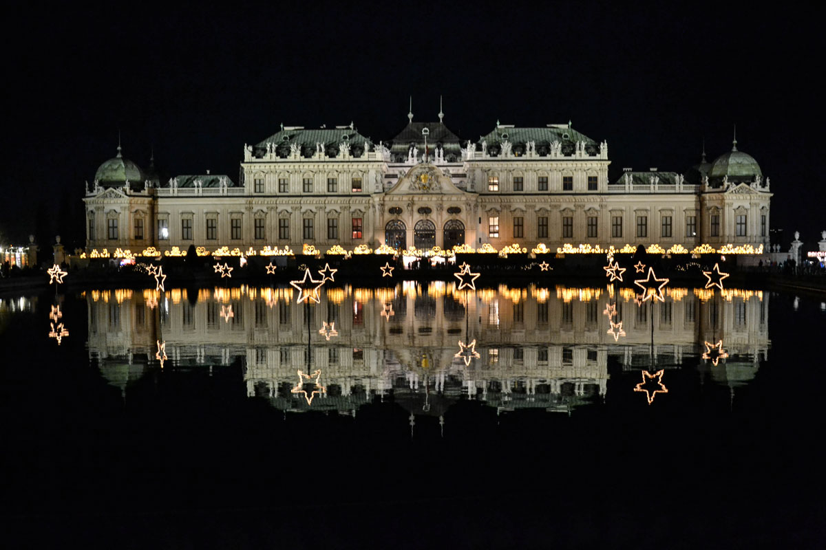 vienna-at-night-belvedere