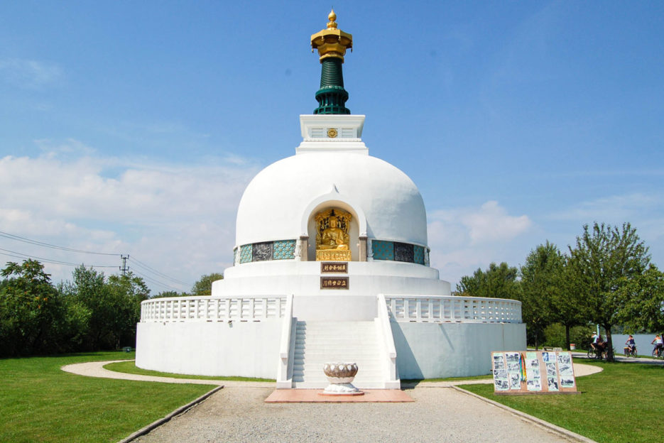 vienna-peace-pagoda-buddhist-temple