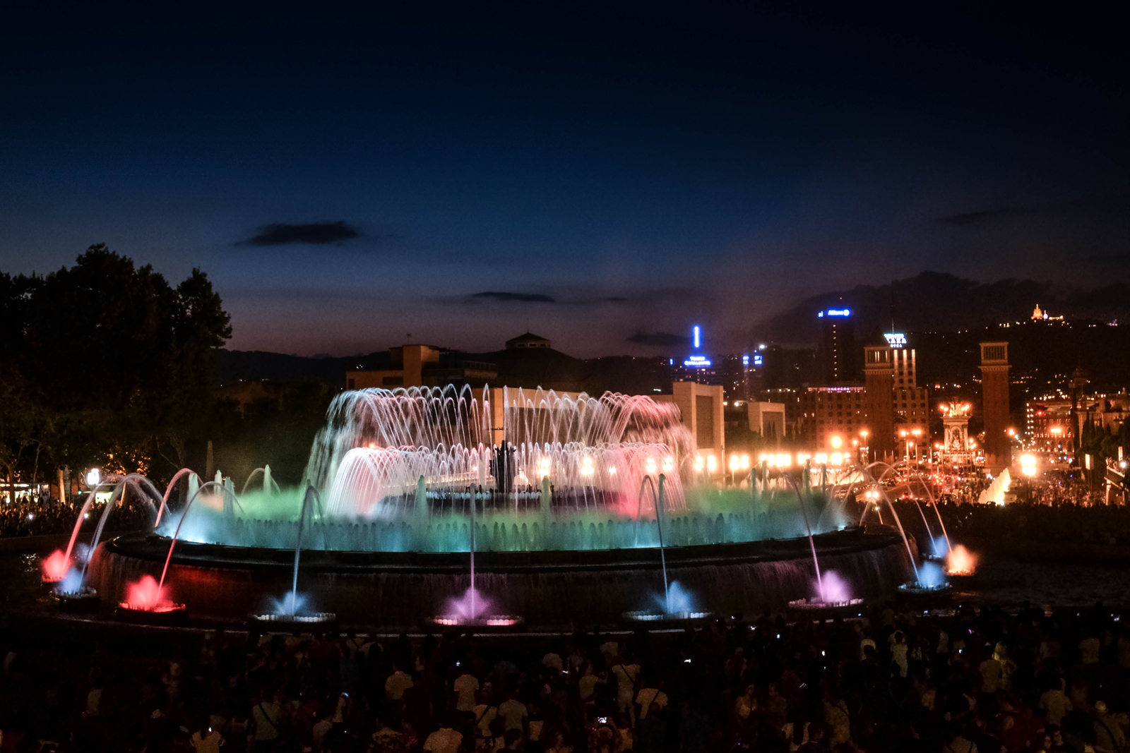 Barcelona-Magic-Fountain-Montjuic-6