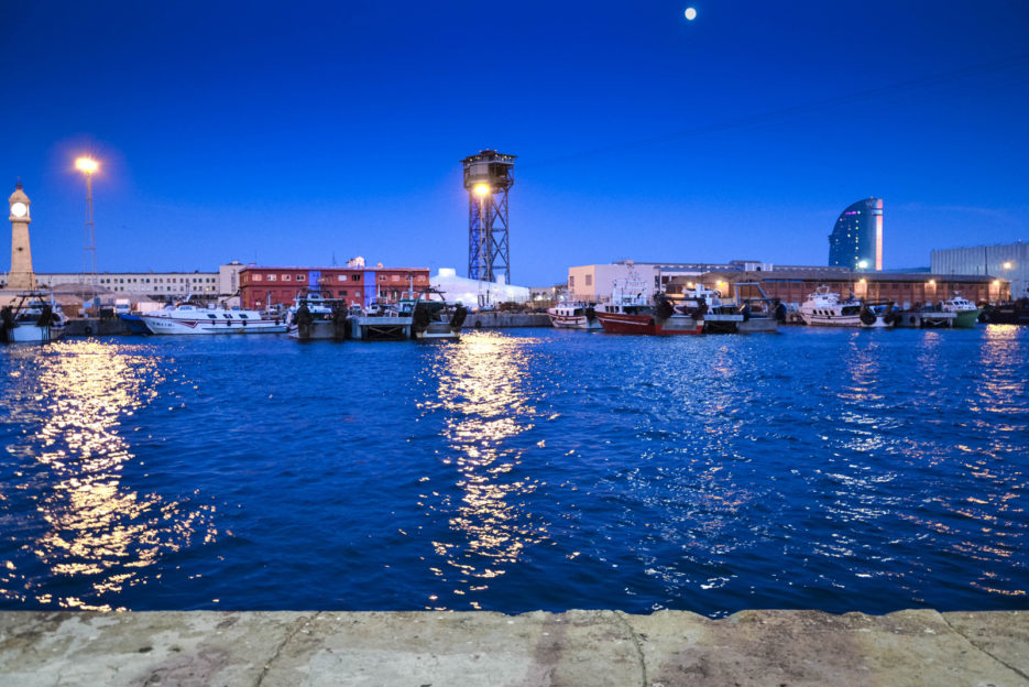 Barcelona-by-night---Harbour-3