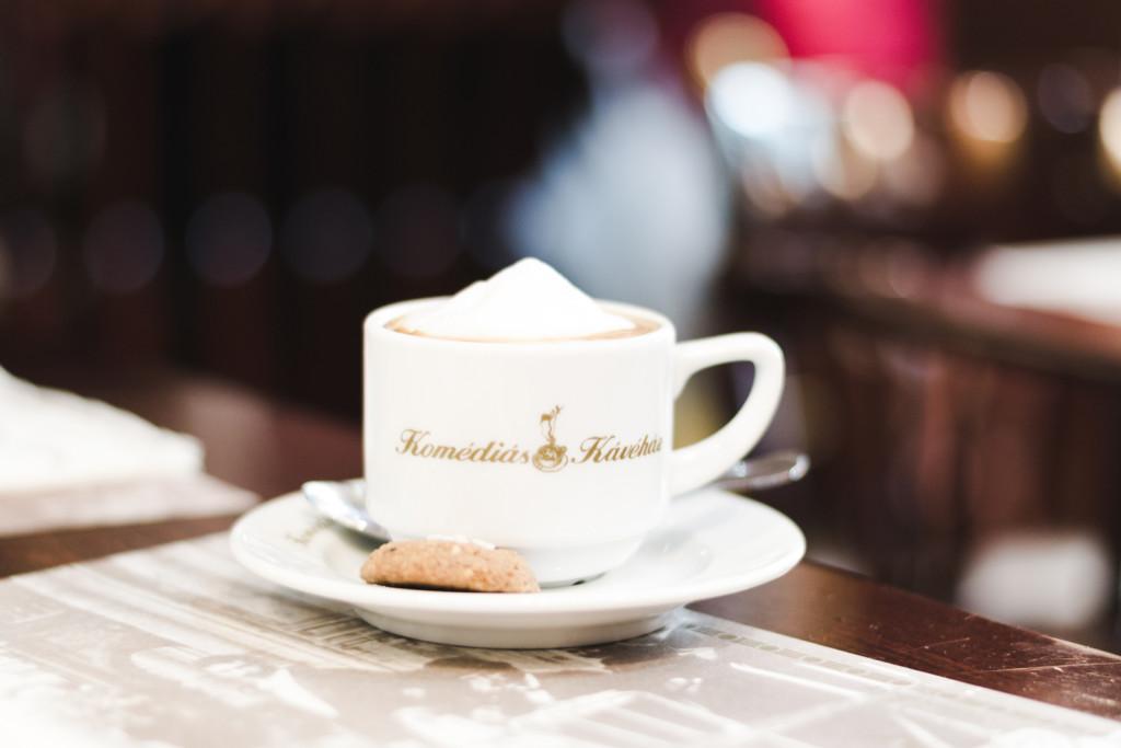 coffee-in-komedias-kavehaz-budapest