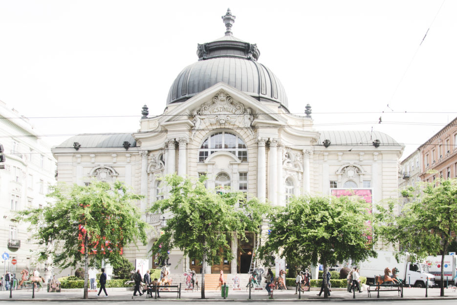 A wonderful building of Vigszinhaz Comedy Theatre in Budapest - Epepa Travel Blog