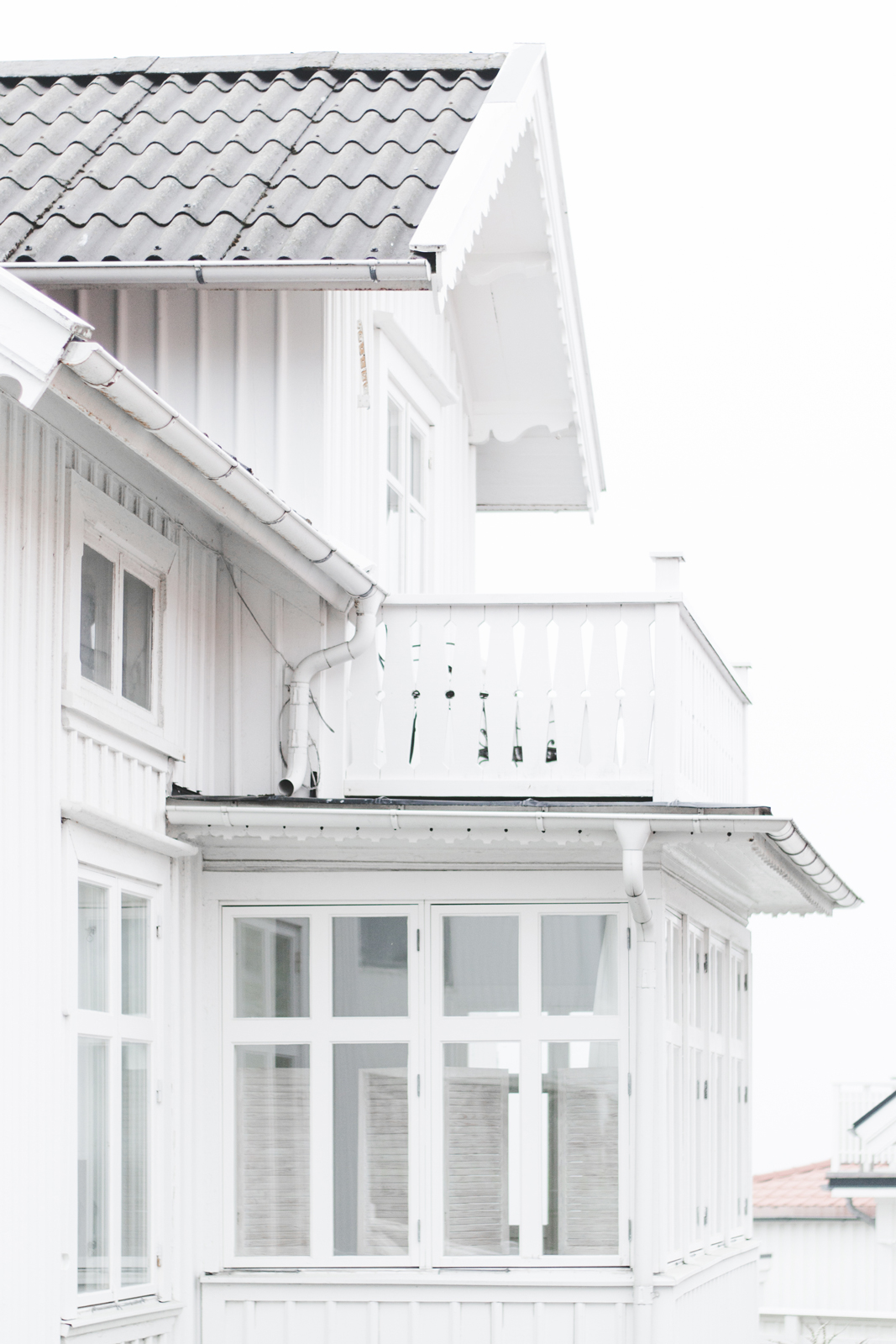 Gothenburg-Styrso-Tangen-White-Architecture