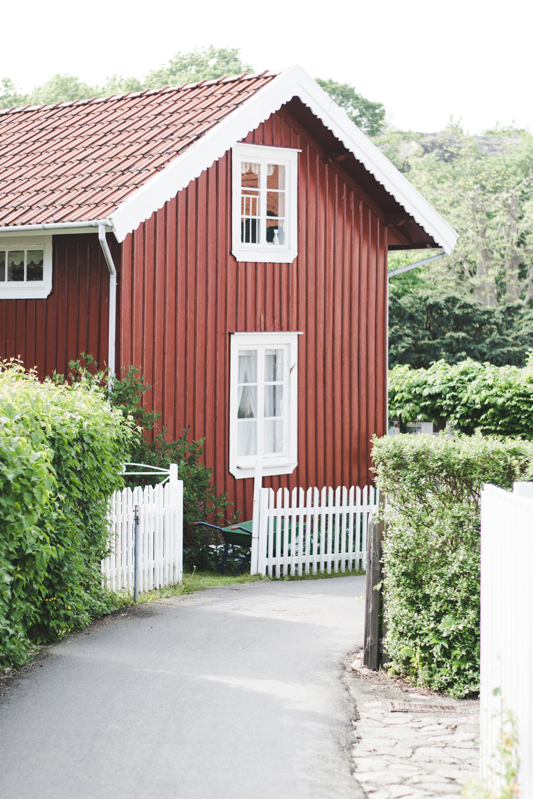 Kopstadso-Red-Scandinavian-House
