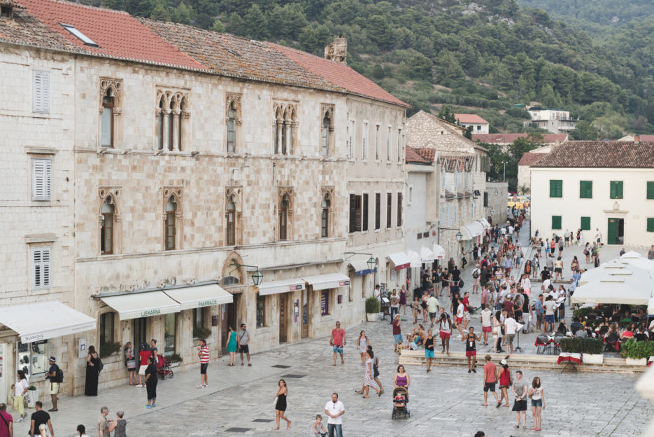 Trg Sv Stjepana in Hvar, Croatia - from travel blog: https://epepa.eu/