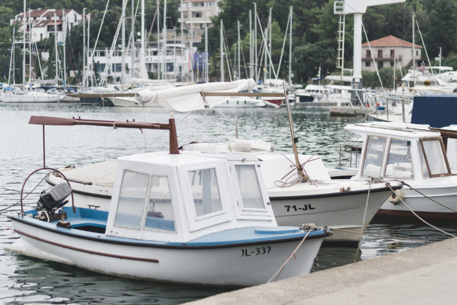 Marina in Vrboska - 10 things to do in Hvar - from travel blog: https://epepa.eu/