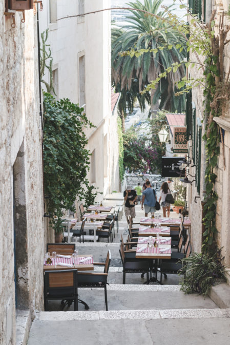 The streets of Hvar Town, a must-see place on the island of Hvar - from travel blog: https://epepa.eu/
