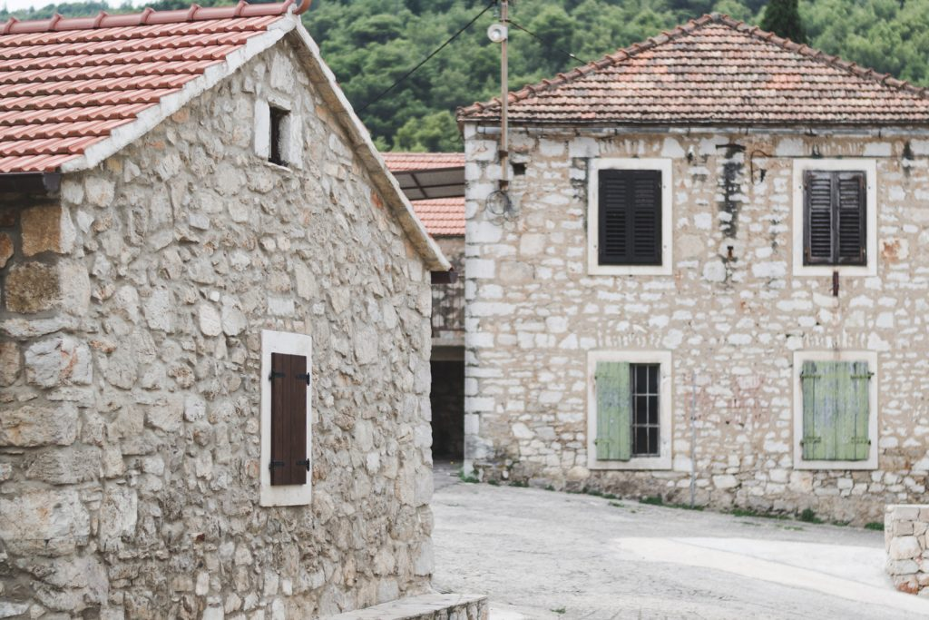 Stone houses in Stari Grad, Croatia - from travel blog: http://Epepa.eu
