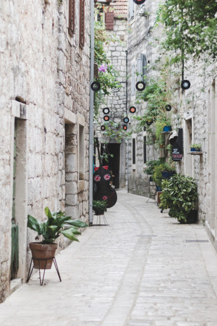 The streets of Stari Grad, Hvar, Croatia - from travel blog: https://epepa.eu/