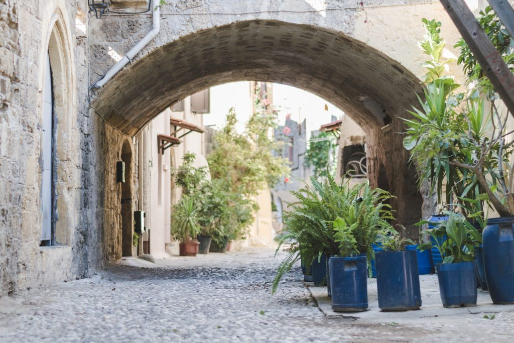 The Medieval City of Rhodes off the beaten track - from travel blog http://Epepa.eu