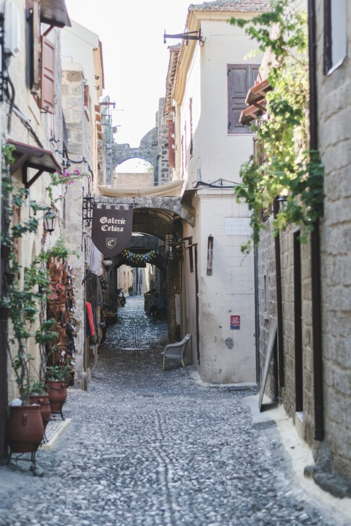 Narrow streets of Rhodes Medieval City, Greece - from travel blog http://Epepa.eu