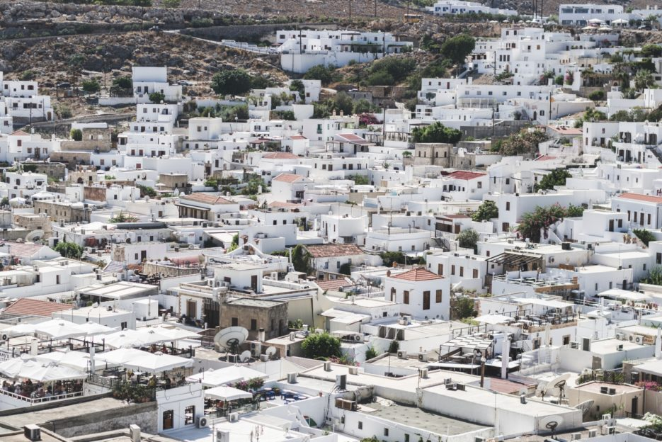 The panorama of Lindos, Rhodes - from travel blog: https://epepa.eu/