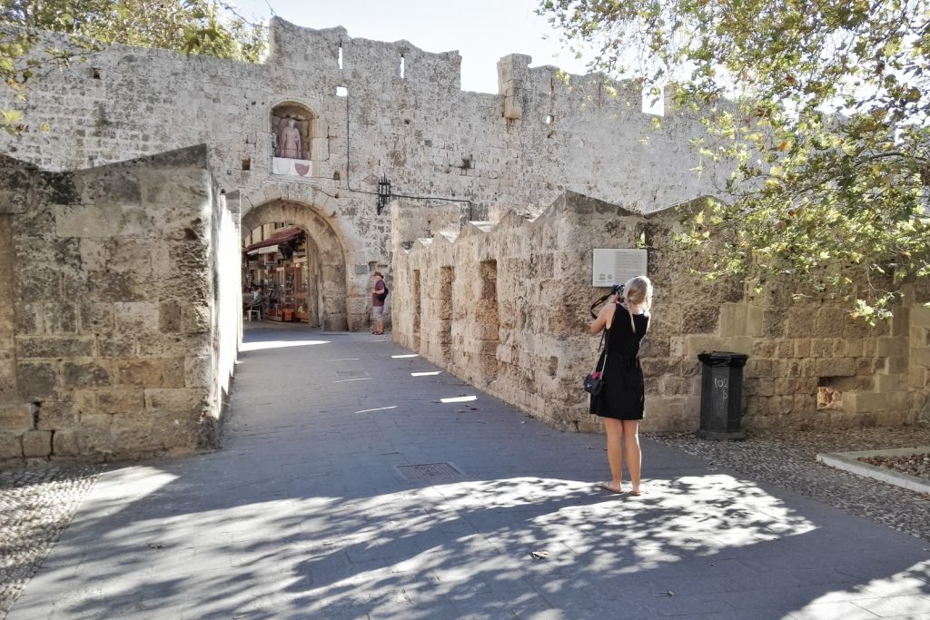 Travel blogger Epepa in Rhodes Town, Greece - from travel blog: http://Epepa.eu