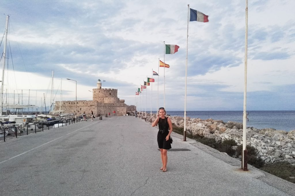 Epepa on the seaside promenade in Rhodes Town, Greece - from travel blog: http://Epepa.eu