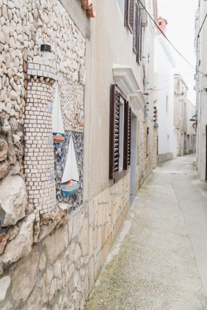 A narrow street on the island of Susak, Croatia - from travel blog: http://Epepa.eu