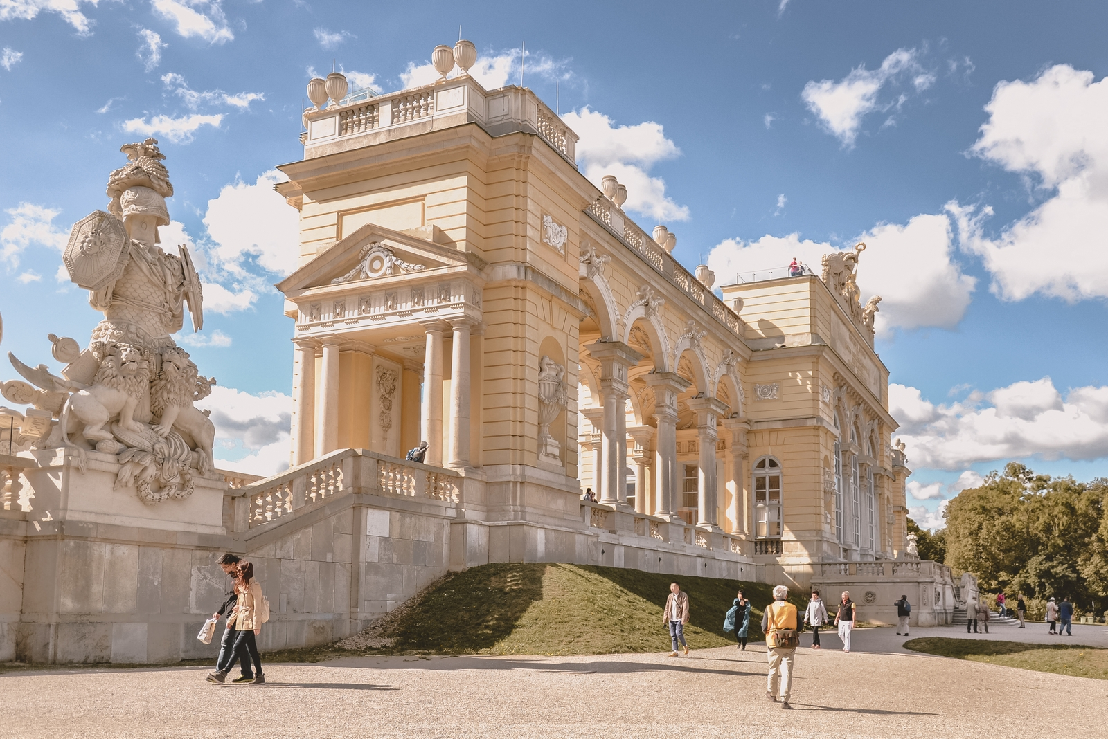 Gloriette, Schonbrunn Gardens - 10 best things to do in Vienna, Austria - from travel blog http:://Epepa.eu