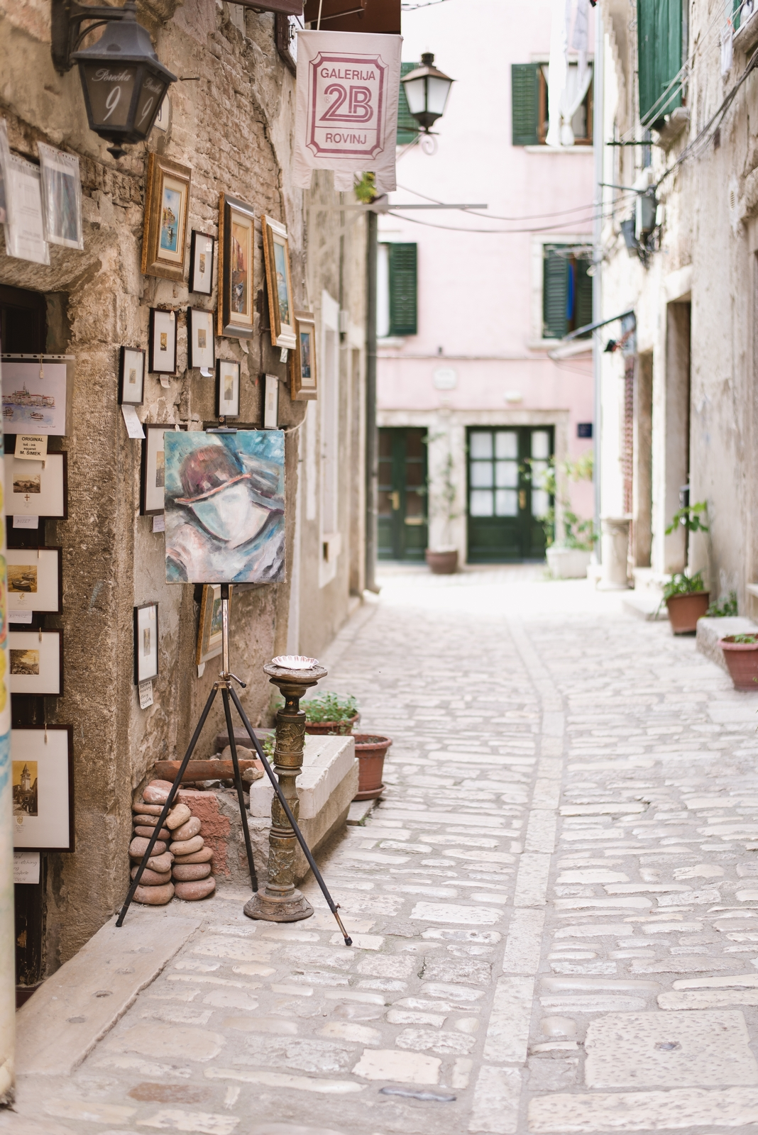 Art gallery in the old town of Rovinj, Istria, Croatia - from travel blog http://Epepa.eu