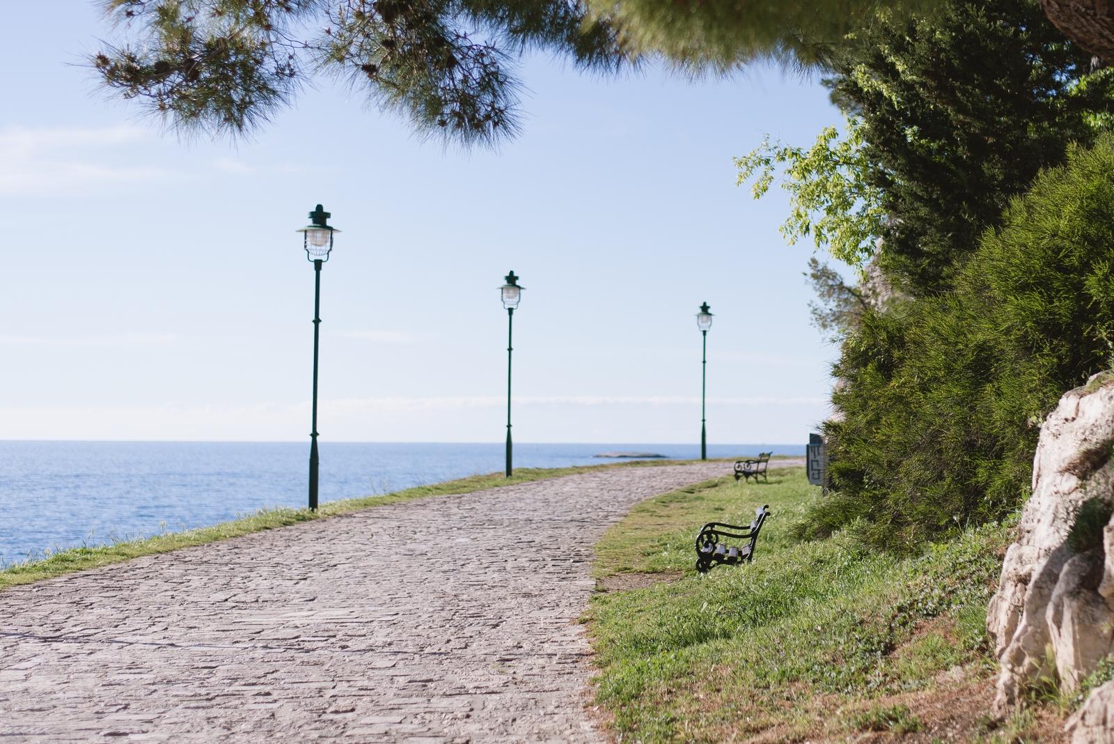 Šetalište braće Gnot, a seaside promenade in the old town of Rovinj, Istria, Croatia - from travel blog http://Epepa.eu