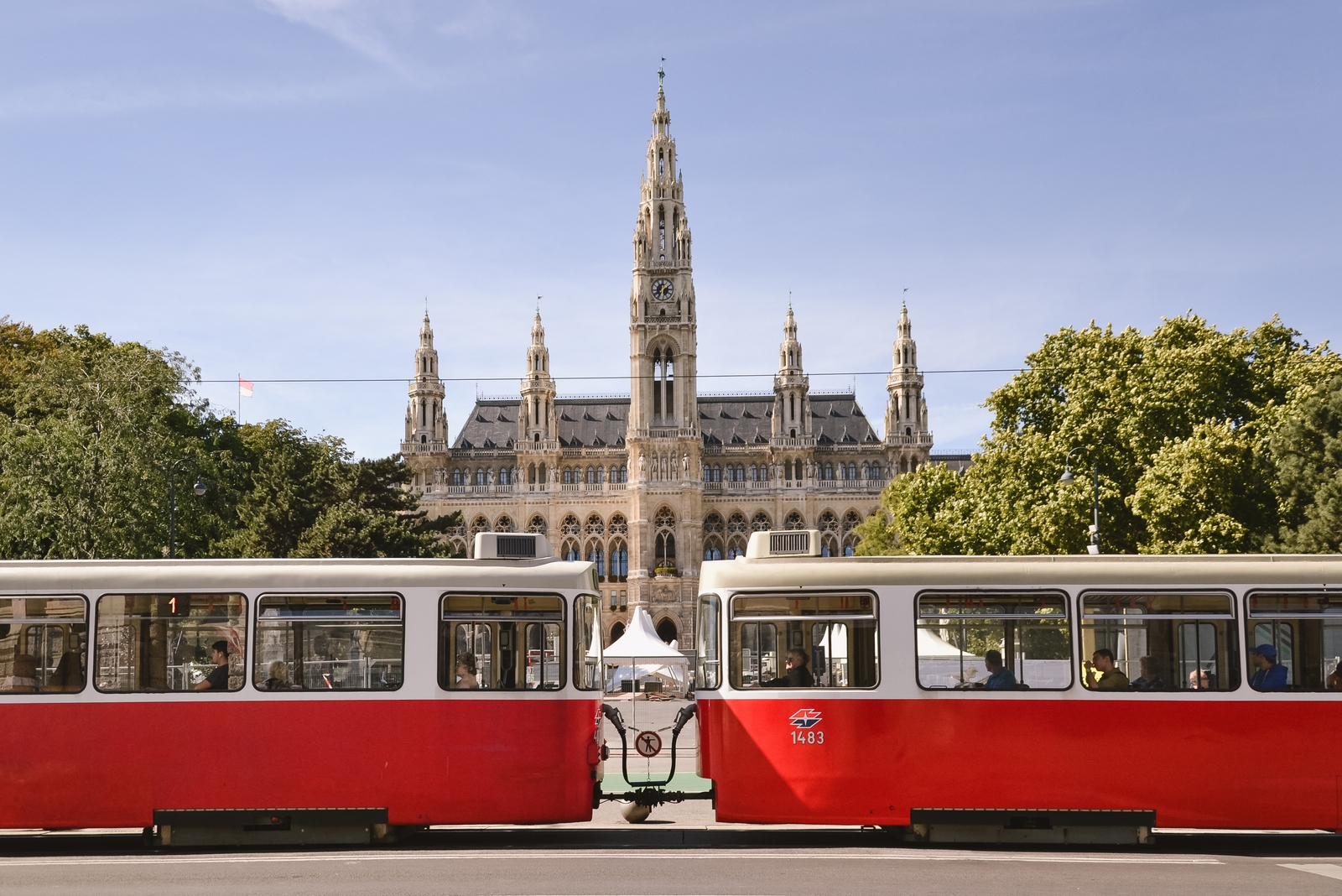 Wiener Rathaus, Ringstrasse - 10 best things to do in Vienna, Austria - from travel blog http:://Epepa.eu
