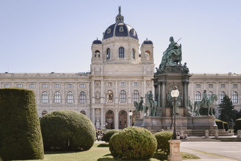Maria Theriesien Platz - 10 best things to do in Vienna, Austria - from travel blog https://epepa.eu