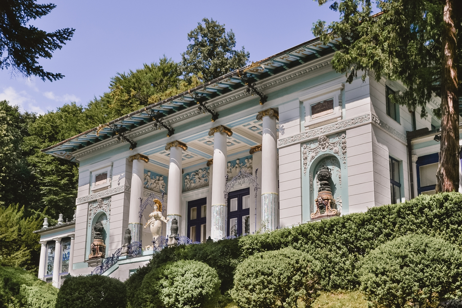 Villa Wagner I, one of the top 10 strangest buildings in Vienna - from travel blog: http:/Epepa.eu