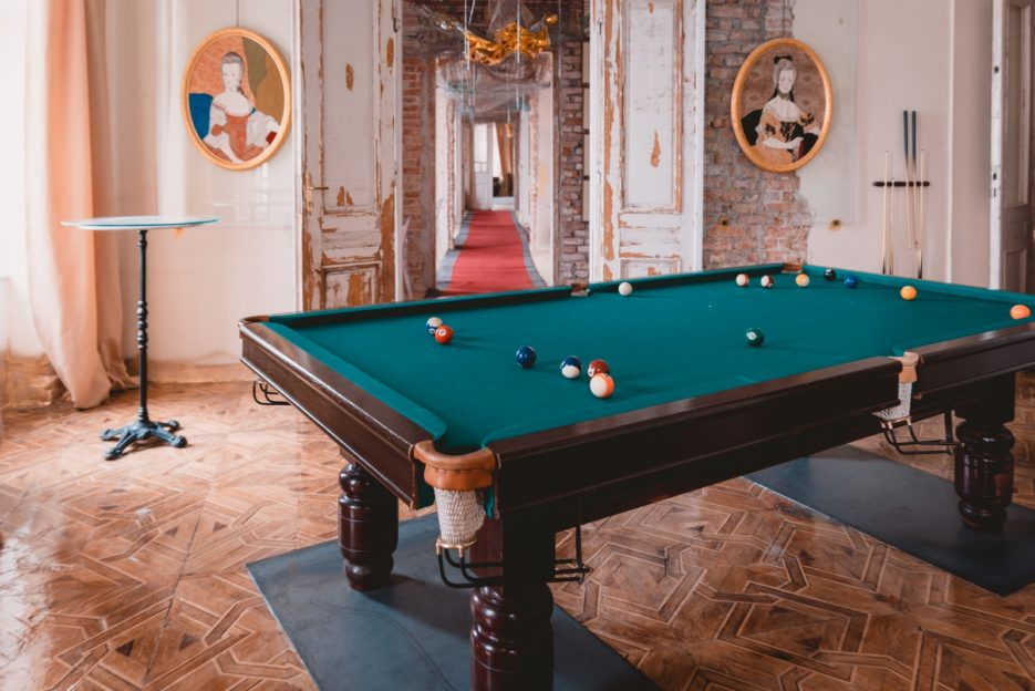 The unusual place for playing billiards in Warsaw, Amfilada Bagatela on Plac Unii Lubelskiej