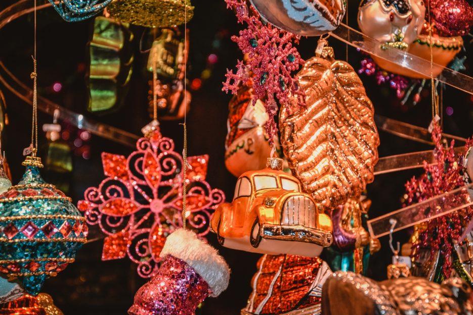 Christmas decorations at the Christmas market in front of the Vienna City Hall (Wiener Christkindlmarkt am Rathausplatz), Austria