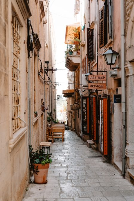 One of the best things to do in Korčula Old Town is walking the narrow streets to feel the atmosphere of this beautiful place